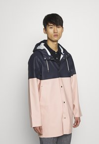 Stutterheim - STOCKHOLM BLOCKED - Waterproof jacket - navy - 0