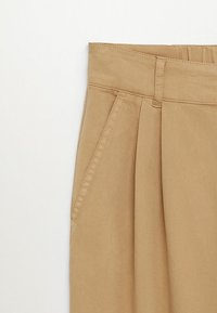 Mango - RELAX - Pantalon classique - sand - 6