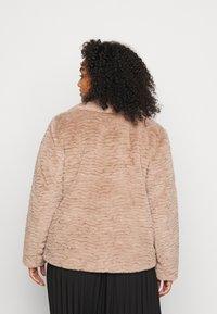 Dorothy Perkins Curve - SHORT WIGGLE - Winter jacket - mink - 2