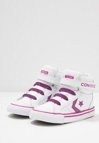 Converse - PRO BLAZE STRAP SPARKLE - Zapatillas altas - white/cactus flower/photon dust - 3