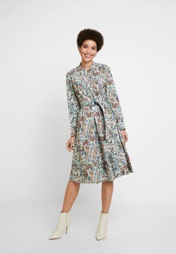 DRESS FLORAL PATTERN PRINT