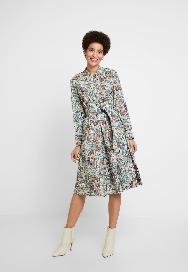 DRESS FLORAL PATTERN PRINT - Sukienka koszulowa - off-white