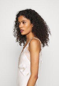 Marks & Spencer London - ROSIE BRIDAL CHEM - Noční košile - ivory - 3