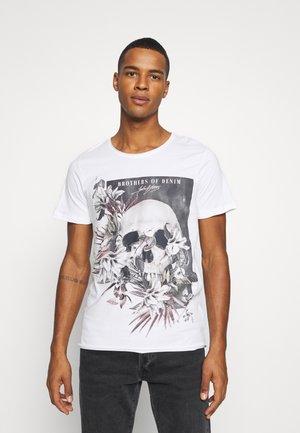 JORFALL TEE CREW NECK  - Print T-shirt - cloud dancer