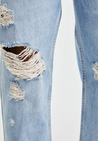 PULL&BEAR - JEANS IM RELAXED-FIT - Slim fit jeans - blue denim