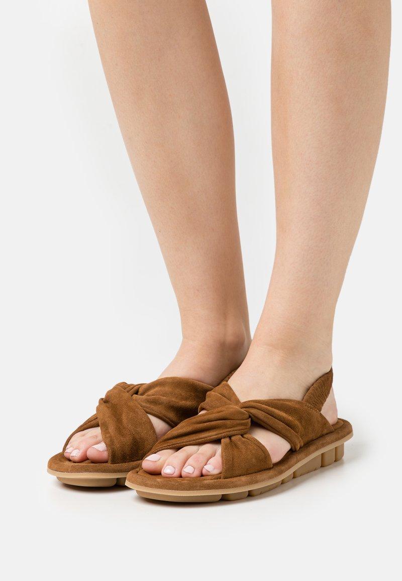 Oa non fashion - Sandals - evolo cognac