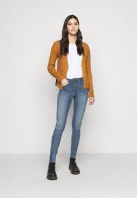 Noisy May Tall - NMKIMMY - Jeans Skinny Fit - medium blue denim - 1