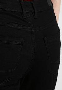 edc by Esprit - HIGH SKIN - Vaqueros slim fit - black rinse - 3