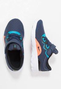 Nike Sportswear - EXPLORE STRADA - Sneakers laag - midnight navy/lemon/black/anthracite - 0