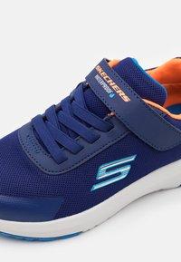 Skechers - DYNAMIC TREAD - Trainers - navy/orange/light blue - 5