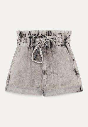 MIT KORDEL  - Szorty jeansowe - grey