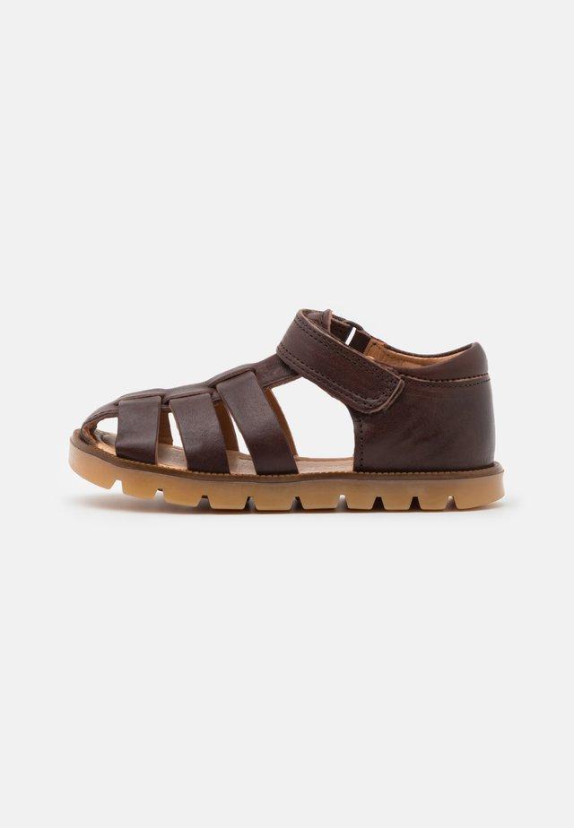 BEKA UNISEX - Sandales - brown