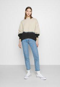 Levi's® - PAI - Sweatshirt - white dip dye - 1