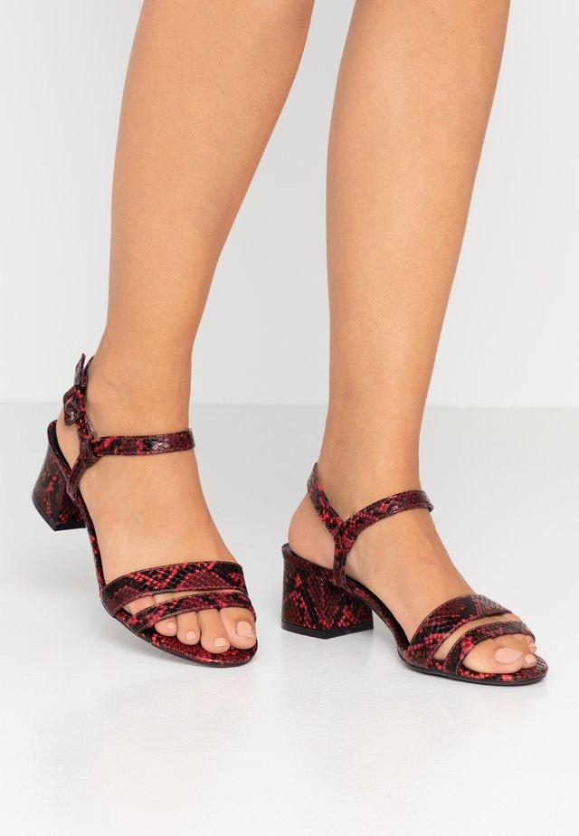 WIDE FIT BINKIE - Sandals - red