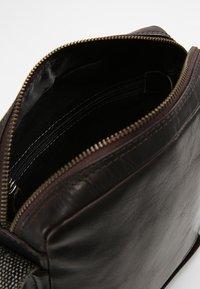 Strellson - Across body bag - dark brown - 4