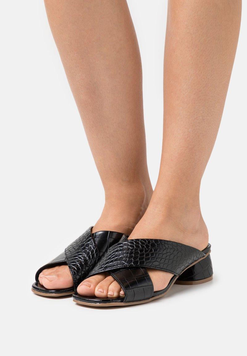 Vero Moda - VMLIDIA  - Mules - black