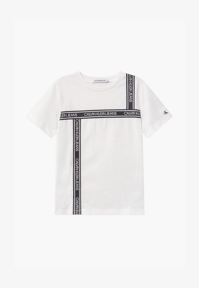 LOGO TAPE  - T-Shirt print - white