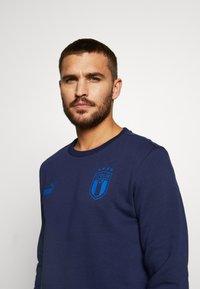 Puma - ITALIEN FIGC CULTURE CREW SWEATER - Sweatshirt - peacoat/team power blue - 4