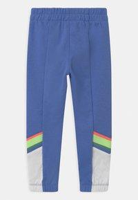 Nike Sportswear - HERITAGE - Teplákové kalhoty - royal pulse - 1