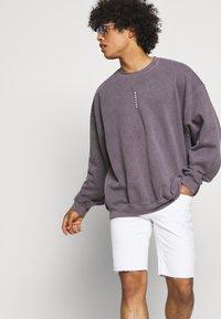 Only & Sons - ONSPLY LIFE  - Denim shorts - white denim - 3
