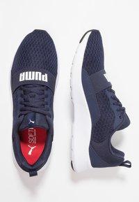 Puma - WIRED - Gym- & träningskor - peacoat/white - 1