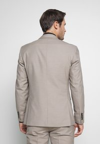 Selected Homme - SLHSLIM SUIT - Kostym - beige - 3