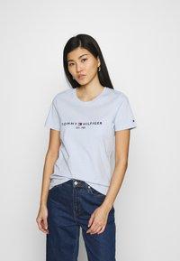 Tommy Hilfiger - REGULAR HILFIGER TEE  - Basic T-shirt - blue - 0