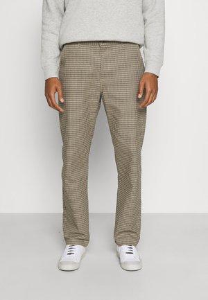 LOOSE FIT PANT - Pantaloni - brown