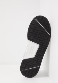 Tommy Jeans - GRADIENT FLEXI RUNNER - Trainers - black - 4