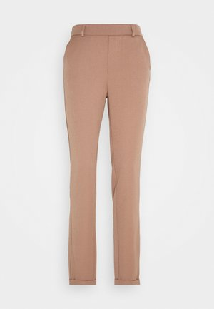 VMMAYA LOOSE SOLID PANT - Trousers - brownie