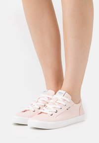 ONLY SHOES - ONLSUNNY - Sneakers basse - pink - 0