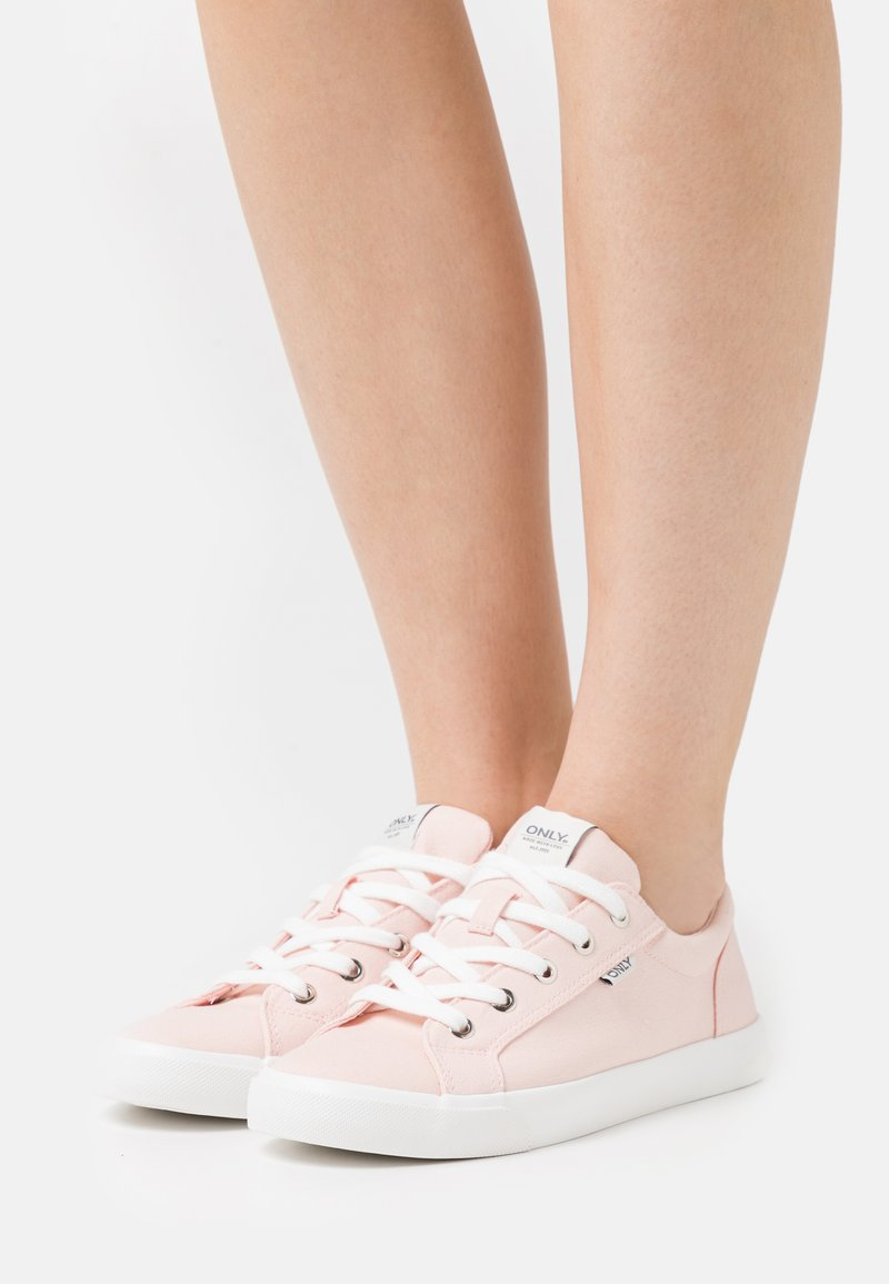ONLY SHOES - ONLSUNNY - Sneakers basse - pink
