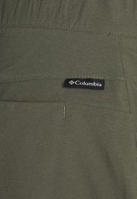 Columbia - FIRWOOD CAMP™ II PANT - Pantaloni outdoor - stone green - 2
