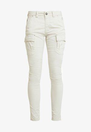 CHERYL CARGO REUNION PANT - Cargo trousers - light grey