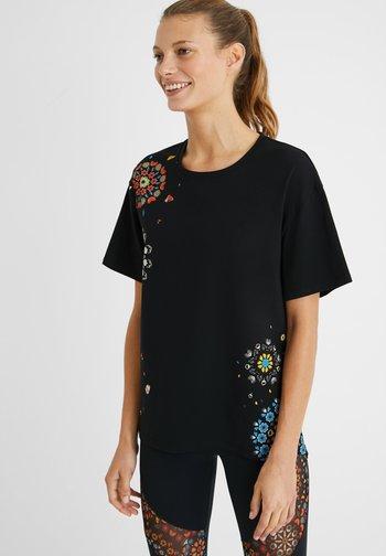 BUTTERFLY - Print T-shirt - black