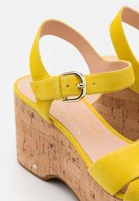 kate spade new york - JASPER - Sandales à plateforme - yellow - 6