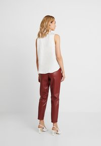 Banana Republic - HIGH LOW PIECED VEE SOLIDS - Blouse - snow day - 2