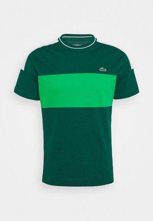 TOUR - T-shirt con stampa - vert/blanc