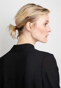 Pieces - PCSANNE HAIRCLIPS 3 PACK - Accessoires cheveux - gold-coloured - 1