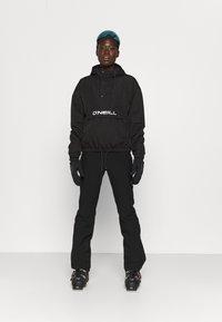 O'Neill - BLOCKSTAR ANORAK - Snowboard jacket - black out - 1