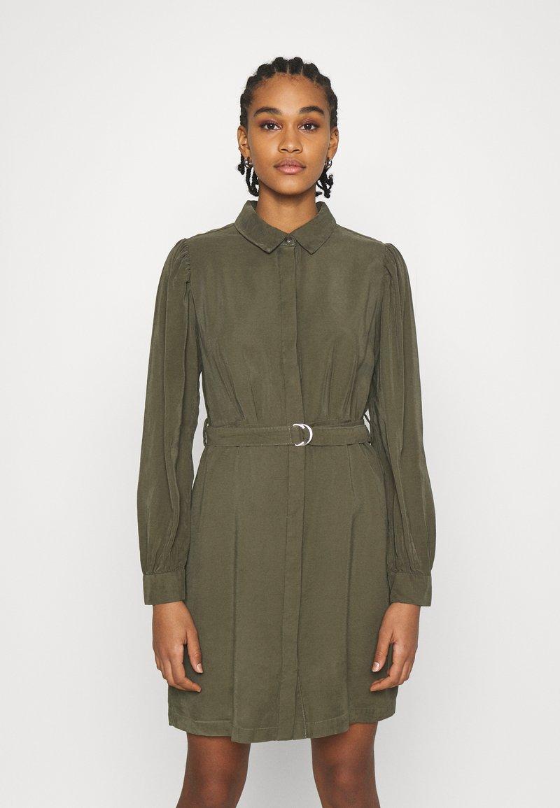 ONLY - ONLARIS LIFE PUFF SHORT DRESS - Shirt dress - kalamata