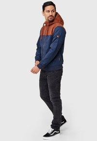 INDICODE JEANS - FLEMMING - Light jacket - rootbeer - 3