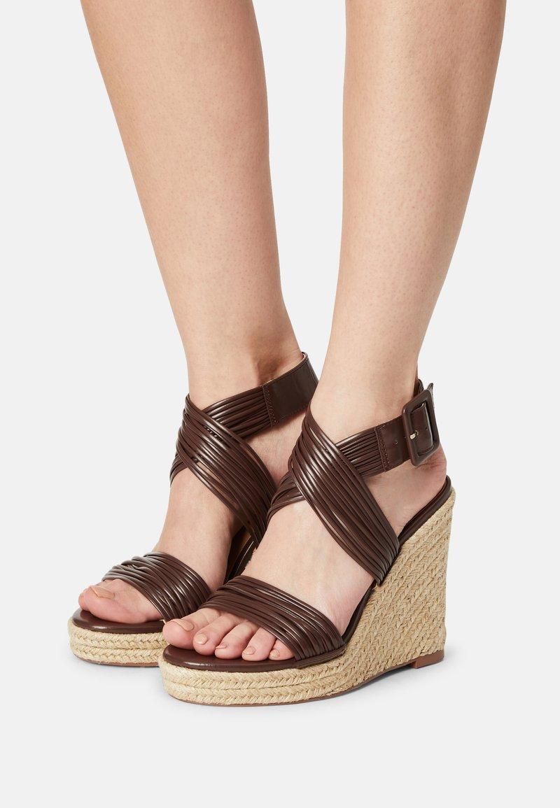 Even&Odd - Platform sandals - brown