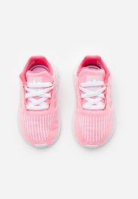 adidas Originals - SWIFT RUN  - Trainers - shock red/footwear white - 3