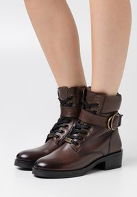 Mexx - DALEY - Lace-up ankle boots - dark brown - 0
