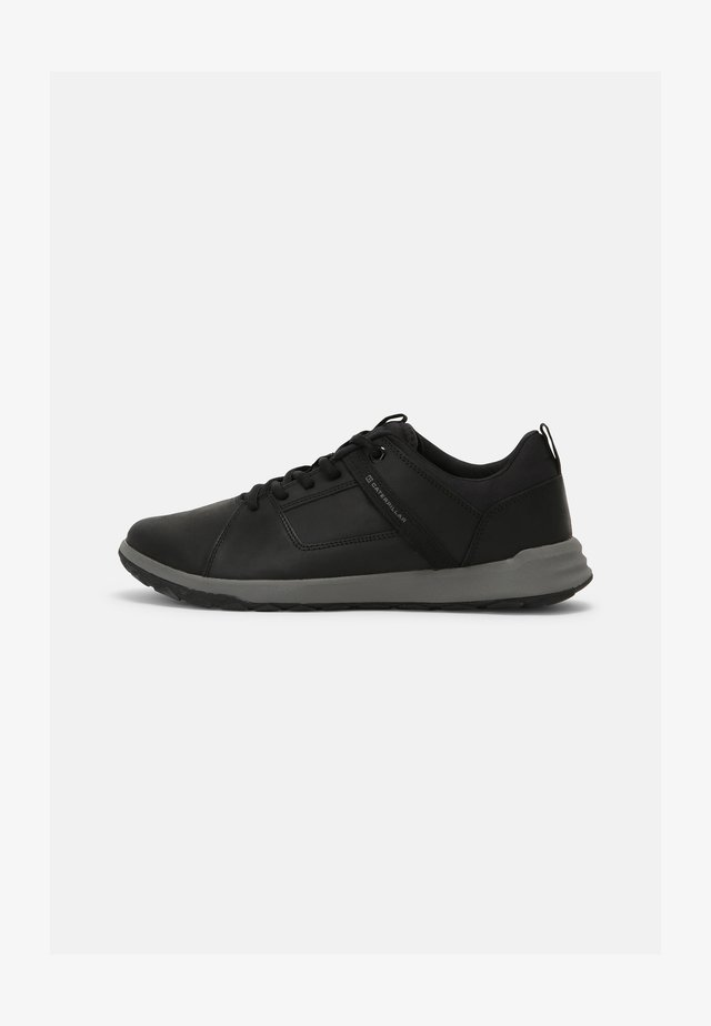 QUEST MOD - Sneakers laag - black/medium charcoal