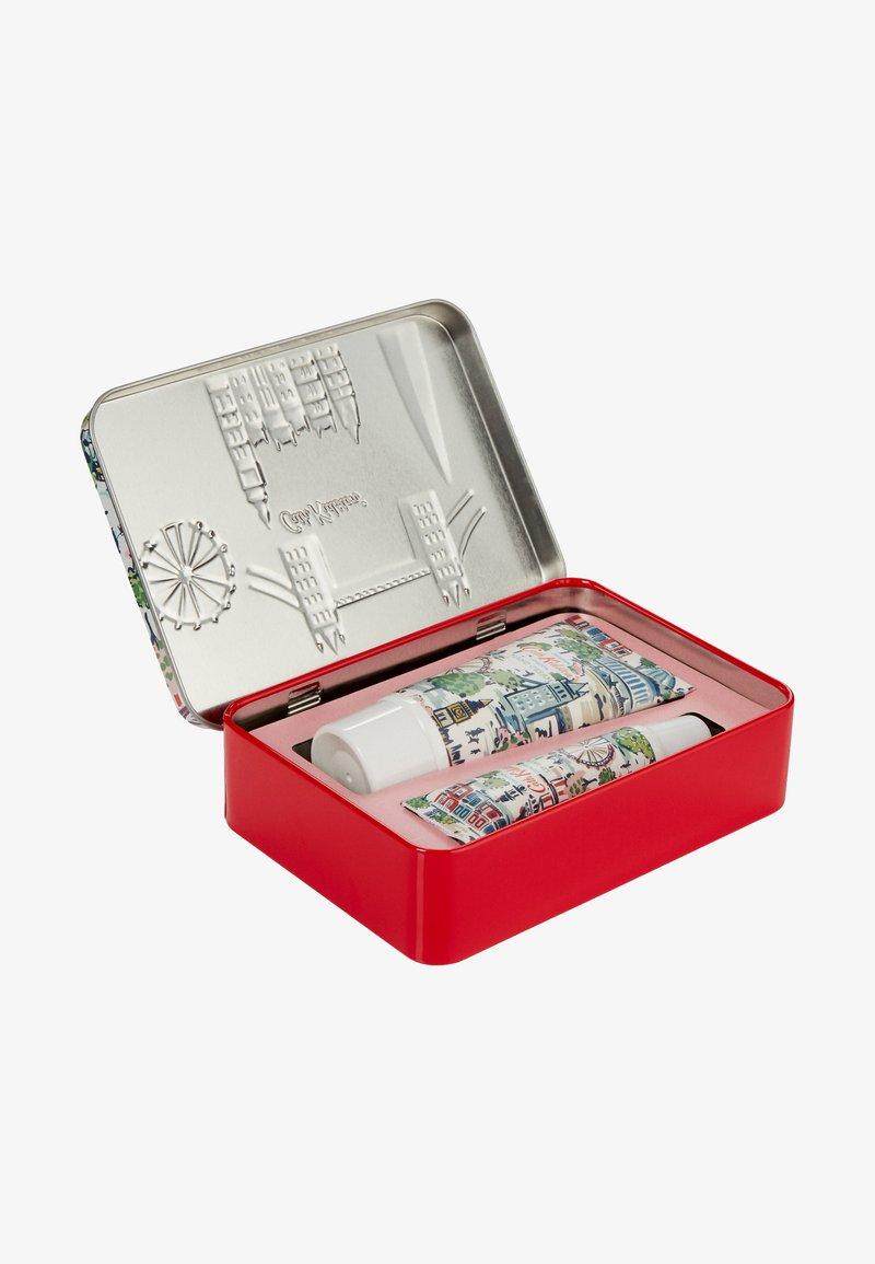 Cath Kidston Beauty - LONDON HAND & LIP TIN - Set pour le bain et le corps - -