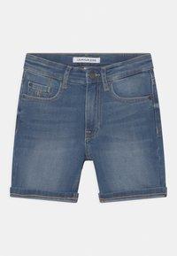Calvin Klein Jeans - REGULAR FRESH  - Denim shorts - denim - 0