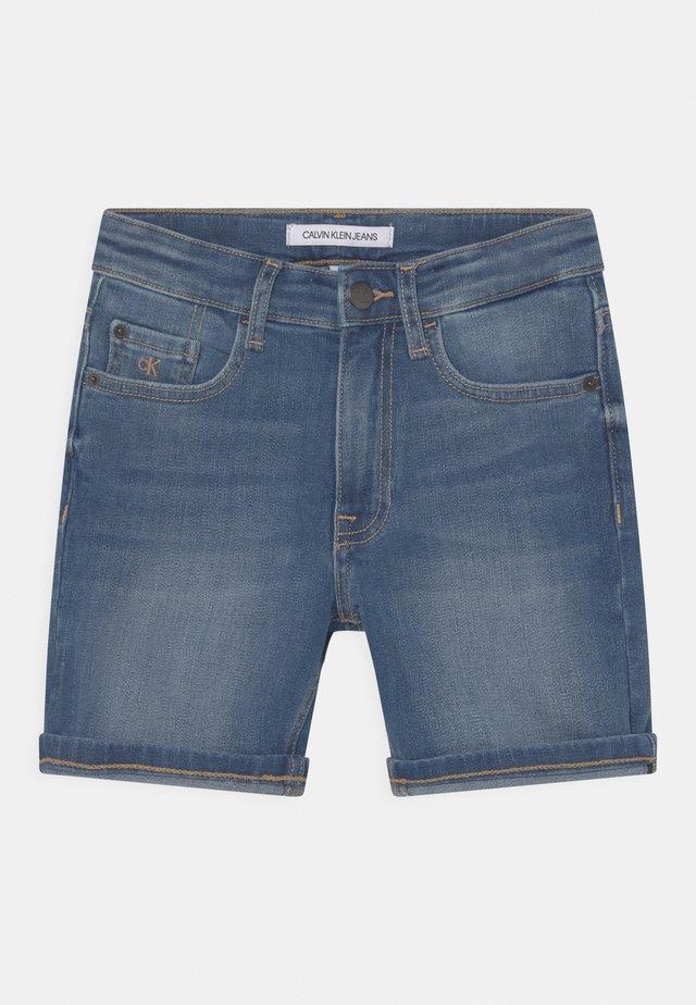 REGULAR FRESH  - Shorts vaqueros - denim