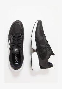 ALPHATORSION - Stabilty running shoes - cblack/ftwwht/gresix